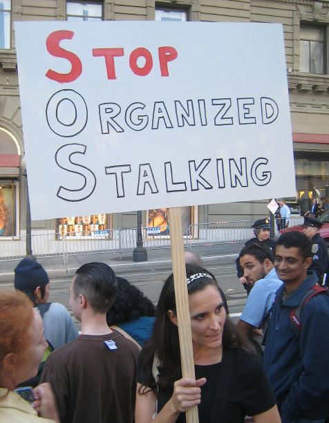 http://zombietime.com/sf_obama_protest_10-15-09/IMG_1405.JPG